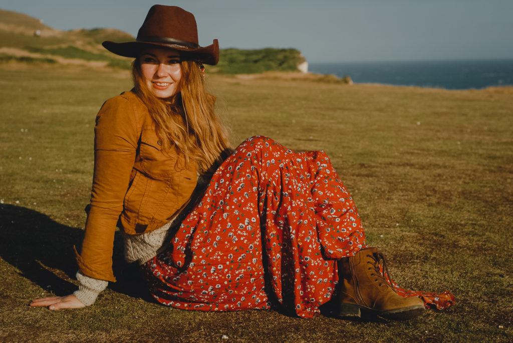 boho styl, wełniany sweter kapelusz, trzewiki, Birling Gap i Belle Tout Lighthouse